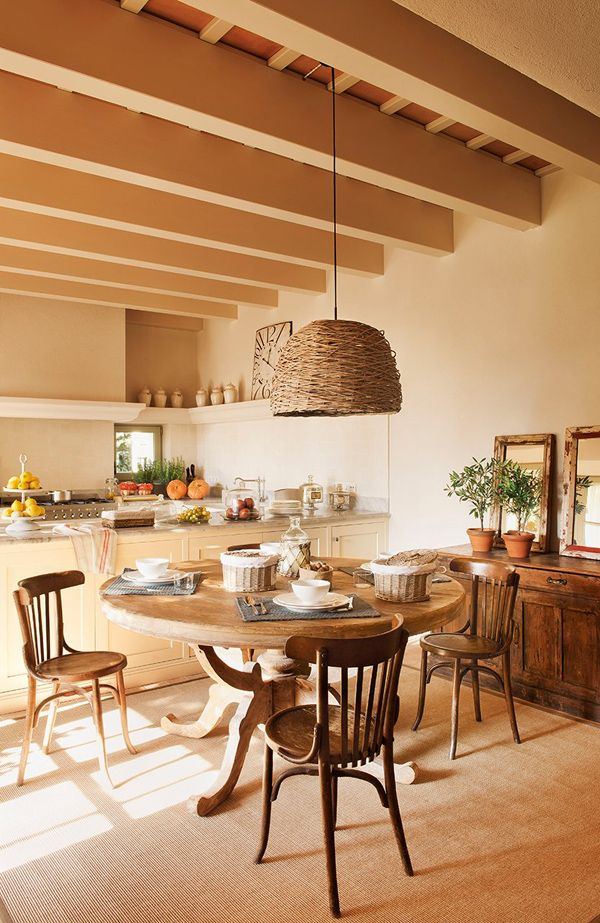 Provencal spirit for a mansion in Empord�