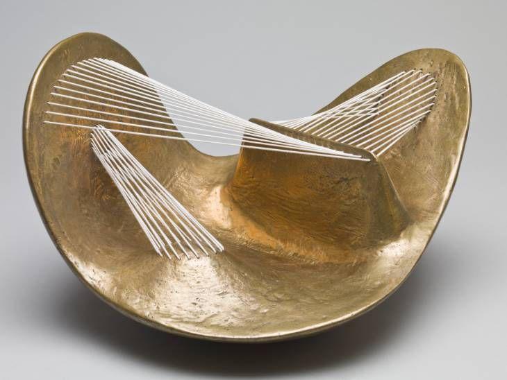 sunnation:  Henry Moore ,Stringed Figure1938/60