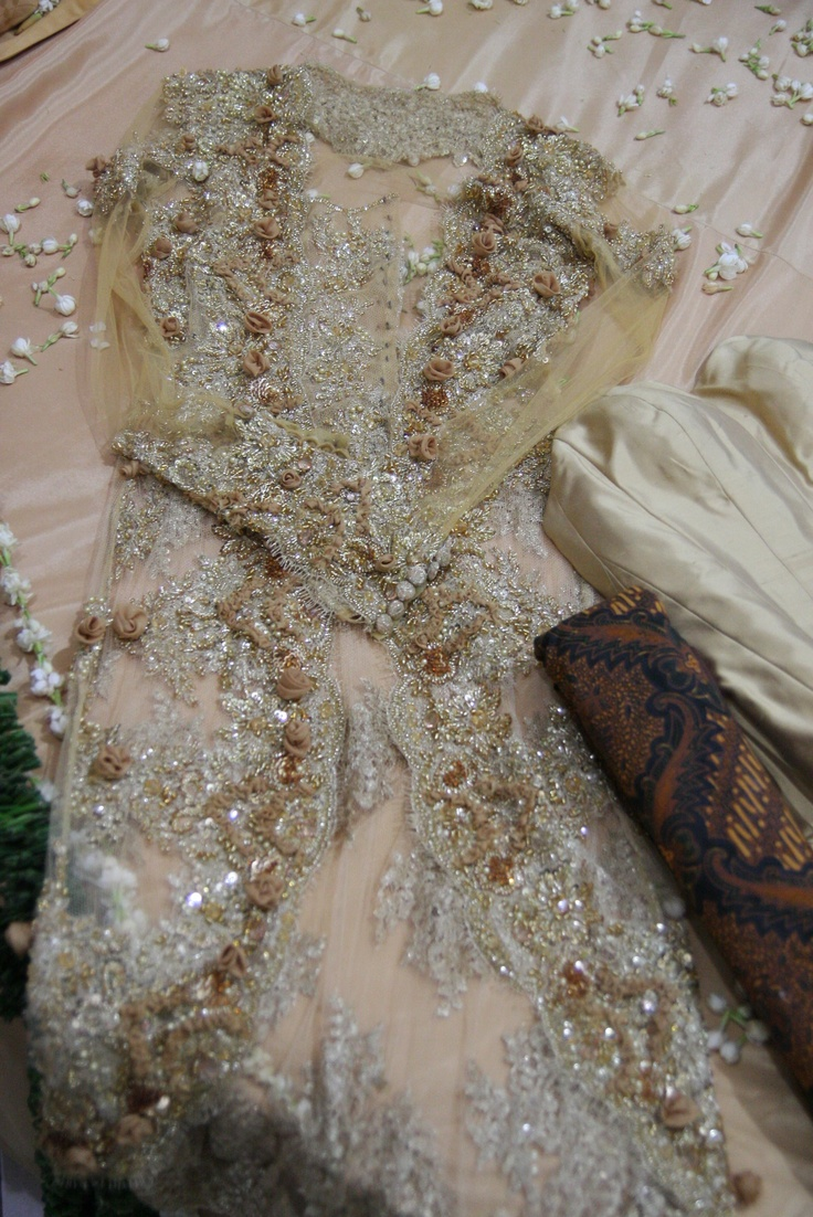 antique kebaya fabric