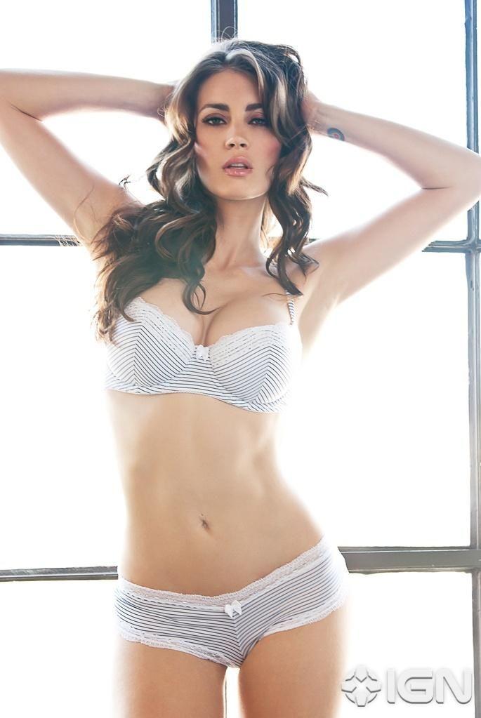 Tanit Phoenix Hot Bikini Photoshoot 2015 (2)