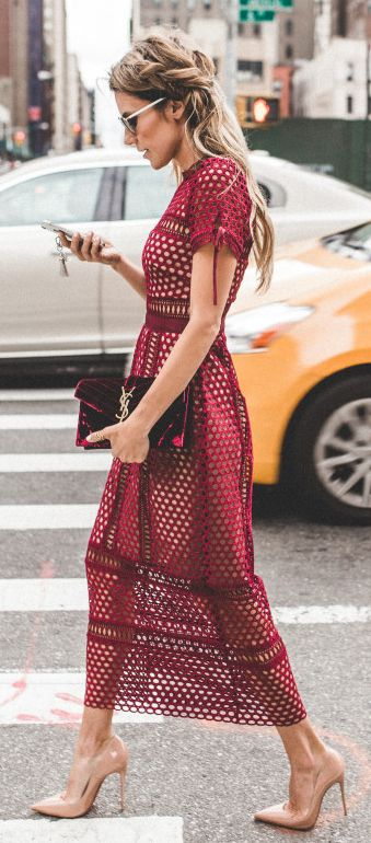 Burgundy lace midi dress a AND Love the clutch that she paired it with