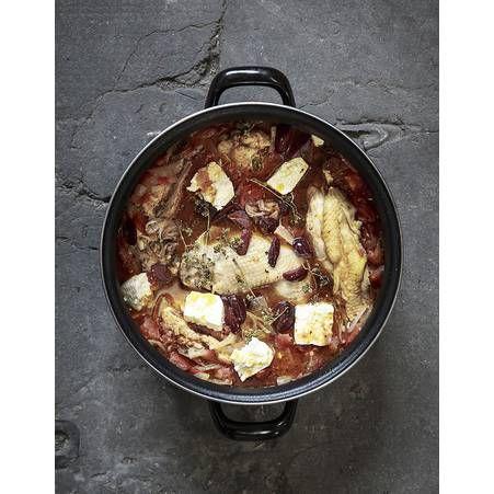 La recette de Gregory et Pierre Julien Chantzios le poulet de grand mere Eleni aux olives et a la feta