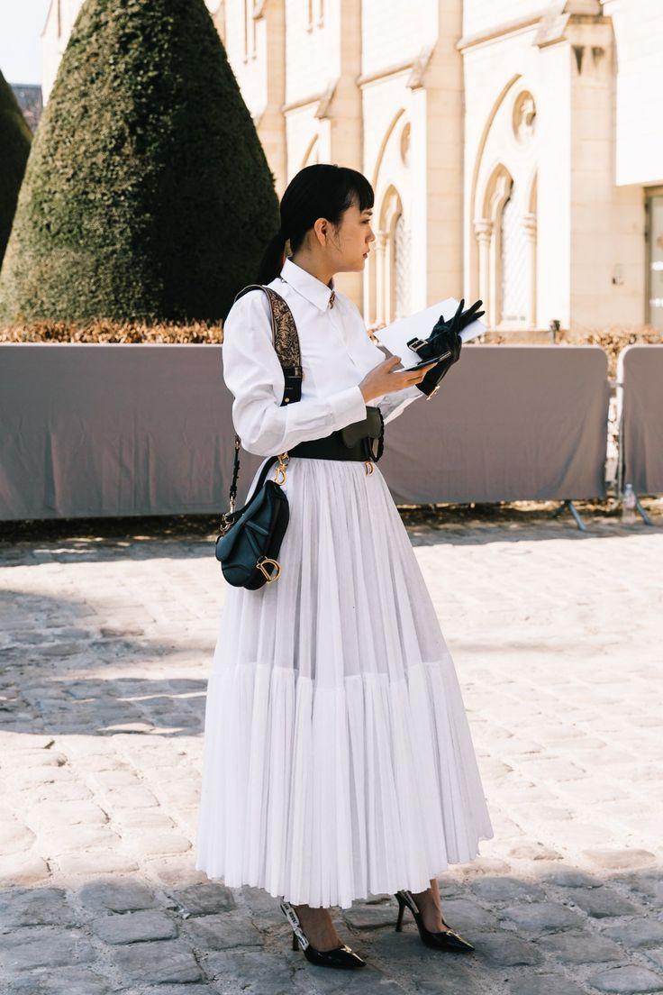Tendance mode : 20 looks blancs inspirants pour l'été vus à la sortie des défilés