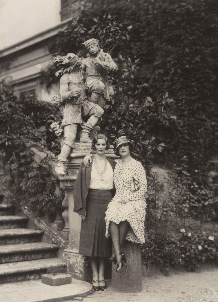 Violet Trefusis, right, 1931. Links is waarschijnlijk Winnaretta Prinses de Polignac