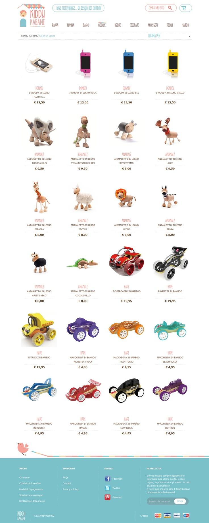 Il catalogo dell'e-commerce. Il web design è semplice, caratterizzato da una combinazione di colori molto delicata, che mette in massimo risalto prodotti e contenuti.