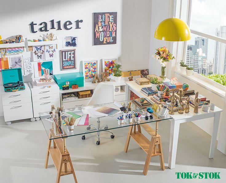 Inspiração linda para home office jovial e bem colorido.