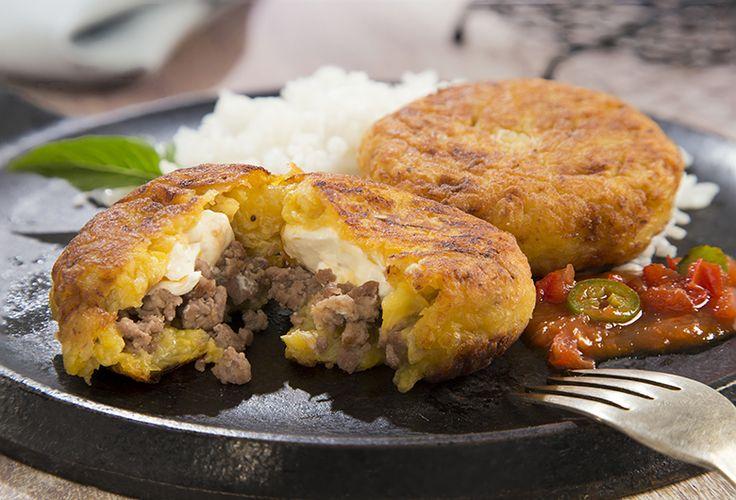 Para la hora de comer prepara esta deliciosa receta de Tortitas de plátano macho rellenas con un toque Philadelphia. ¡Disfruta nuestra receta!