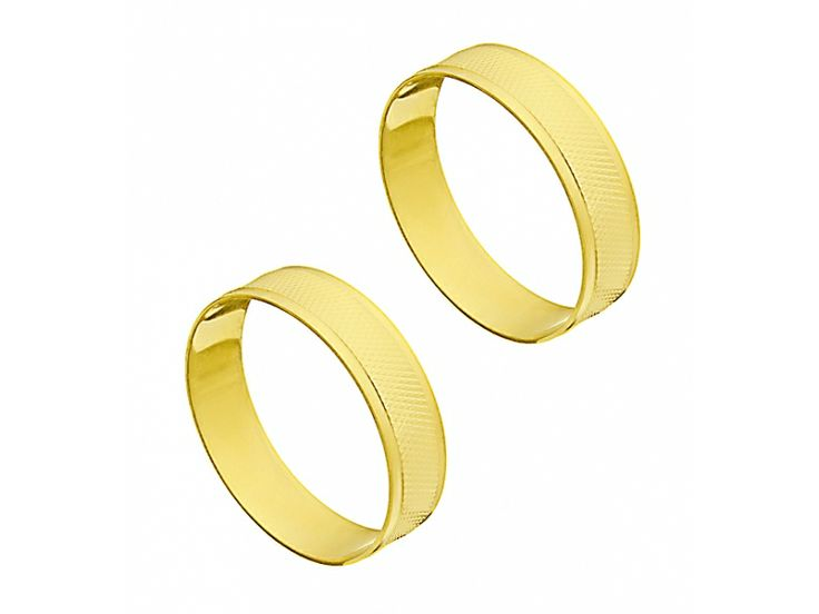 Par de alianças em ouro 18k                                                                                    Em até 10x de R$ 72,60 À vista R$ 726,00
