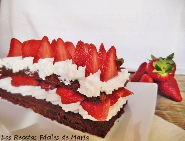 Cómo hacer Queque de Chocolate con Chantilly y Fresas