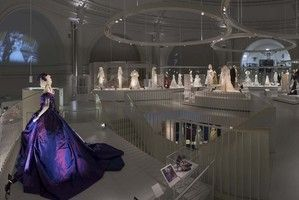 Victoria and Albert Museum to Hold Bridal Exhibition