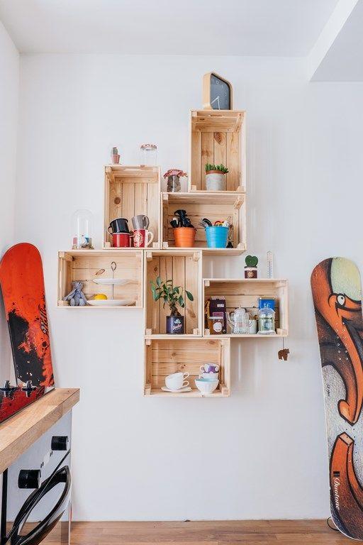 Mur de caisses en bois   Wooden boxes wall