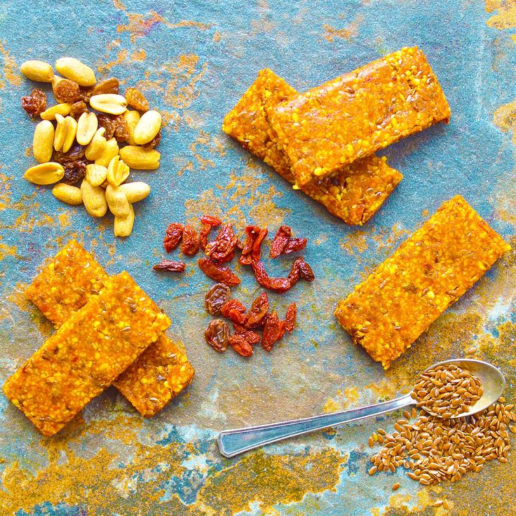 Energibars med gojibär och cashewnötter! Receptet finns i meny 31. 😊 Ha en fin dag alla!