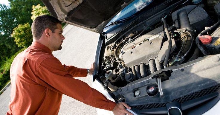 ¿Cómo sacar el sensor del cigüeñal del Chevy S-10 96?. El sensor de posición del cigüeñal es usado por la computadora del motor del Chevrolet S-10 1996 para determinar la posición del cigüeñal dentro del bloque del motor. Esto es para que el resto de la coordinación en el motor fluya correctamente, y para asegurar que ninguno de los componentes internos choque y se dañe el motor. Si el sensor deja de ...