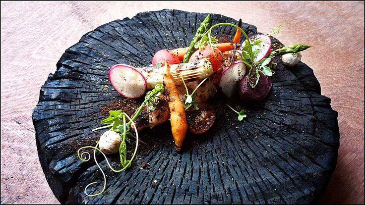 Wuttisak Wuttiamporn - Phuket - L'art de dresser et présenter une assiette comme un chef de la gastronomie... > http://visionsgourmandes.com Offrez-vous mon prochain livre, déjà disponible en pré-achat... > http://visionsgourmandes.com/?page_id=7611 . Partagez cette photo... ...et adhérez à notre page Facebook... > http://www.facebook.com/VisionsGourmandes . #gastronomie #gastronomy #chef #cook #presentation #presenter #decorer #plating #recette #dressage #assiette #artculinaire #culinaryart