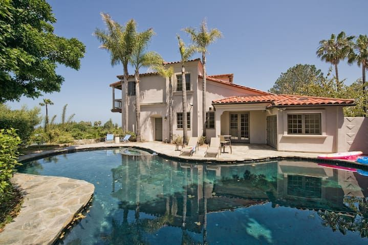 Stunning 12mill Beach Mansion W Ocean Views Houses For Rent In San Diego California United States In 2020 Beach Mansion Vacation Home Mansions