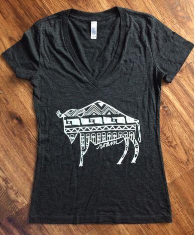 Short Sleeve v-neck T shirt -Native Buffalo-charcoal