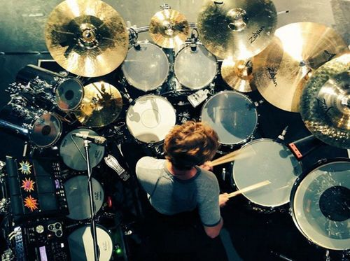 Ashton Irwin, 5 Seconds of Summer, March 2016