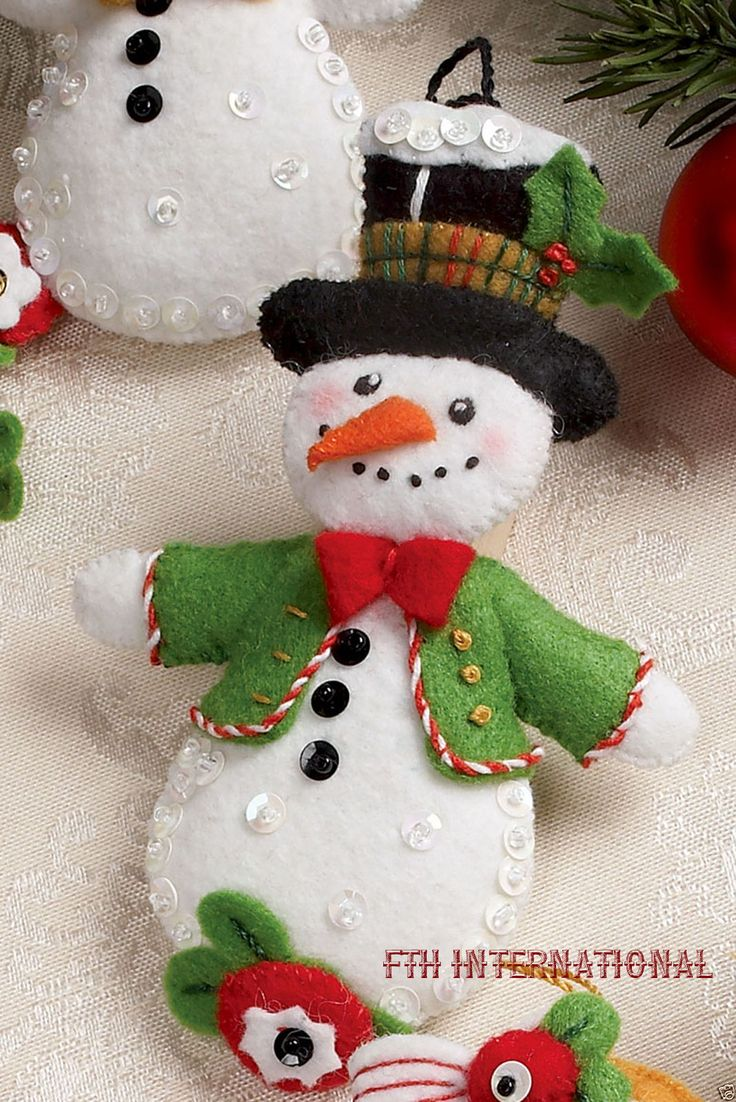 Bucilla Let It Snowman ~ 6 piece Felt Christmas Ornament Kit #86186 Frosty Lady