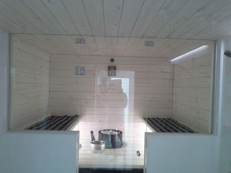 Saunan ja pesuhuoneen väliset lasitukset ja täyslasiovet Tampereella
