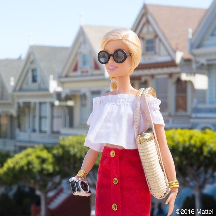 A visit to the Painted Ladies! Starting my last day in SF with a stop at these iconic houses.   #barbie #barbiestyle | ...this top reminds me of a recent post on the Fashion Doll Stylist...I guess she reads it too!