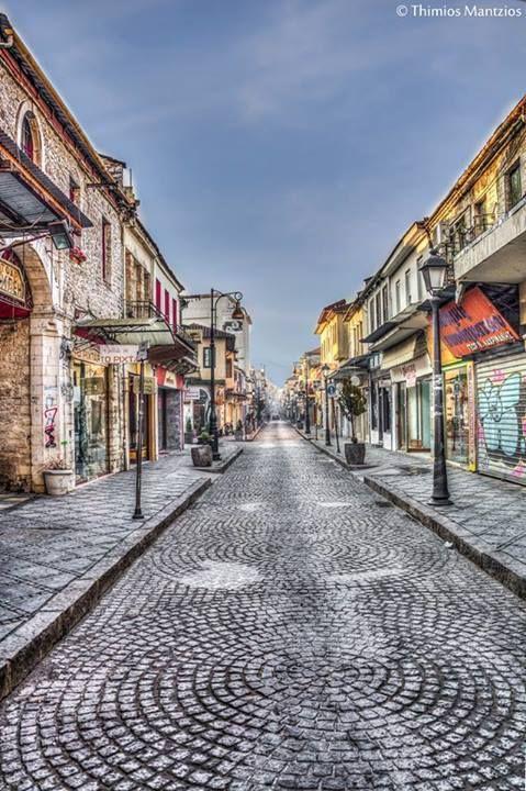 """Οδός """"Ανεξαρτησίας, Γιάννενα ~ """"Anexartisia"""" street, Giannena φωto by Thimios Mantzios"""