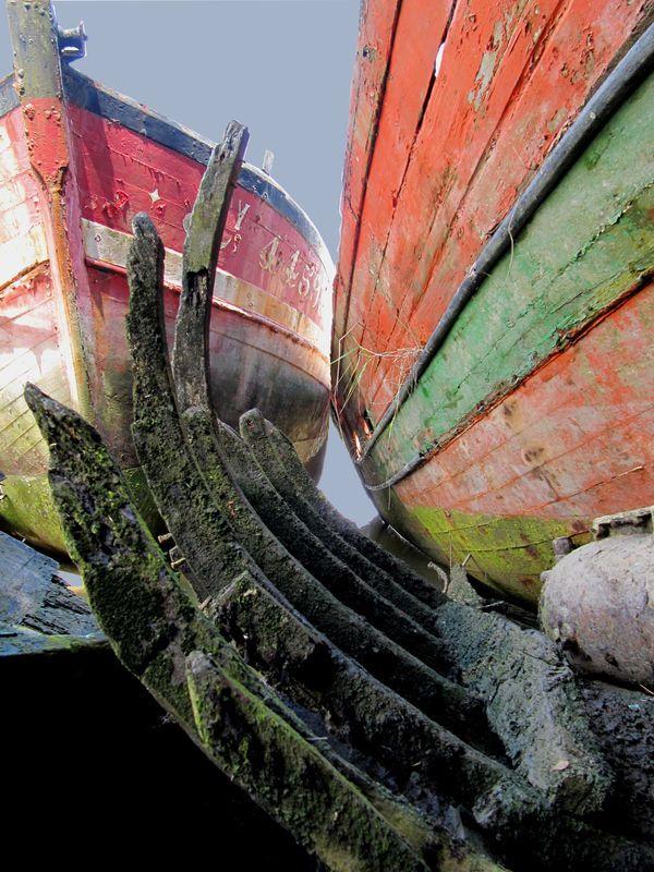 Cimetière de bateaux. Vaisseau fantôme de Pluneret, près du port du Bono.
