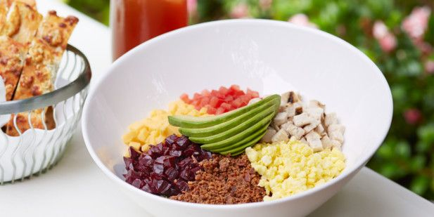"In LA Try one of these ""can't miss"" meals: The Beverly Hills Hotel's McCarthy Salad"