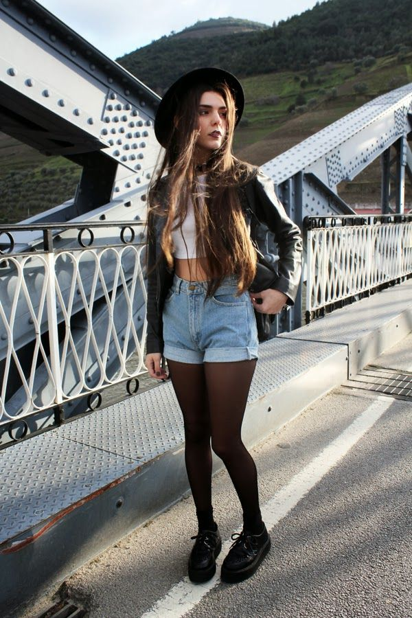 why cant i pull this off D: I have long hair and outfits like this yet i just look like a moron