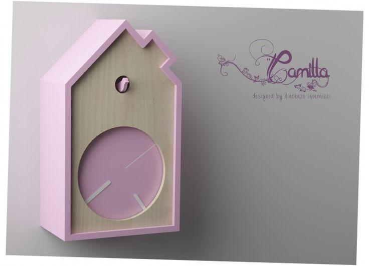 Di orologi a cucù ce ne sono tanti e mi sono sempre piaciuti. Ho deciso di disegnarne uno anche io, per la stanza di Camilla.