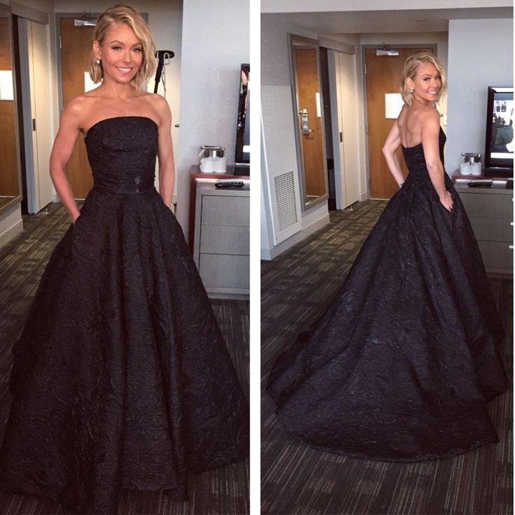 Kelly Ripa looking gorgeous in Christian Siriano and Fred Leighton! #Oscars #KellyandMichael #RedCarpet