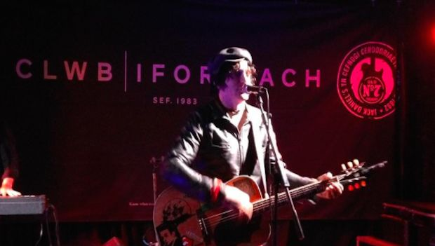 Jesse Malin – Clwb Ifor Bach, Cardiff (13th Sept) – LIVE REVIEW - http://www.gigsoup.co.uk/reviews/gigs/jesse-malin-clwb-ifor-bach-cardiff-13th-september-2015-live-review/?utm_content=bufferaa870&utm_medium=social&utm_source=pinterest.com&utm_campaign=buffer Jesse Malin Clwb Ifor Bach