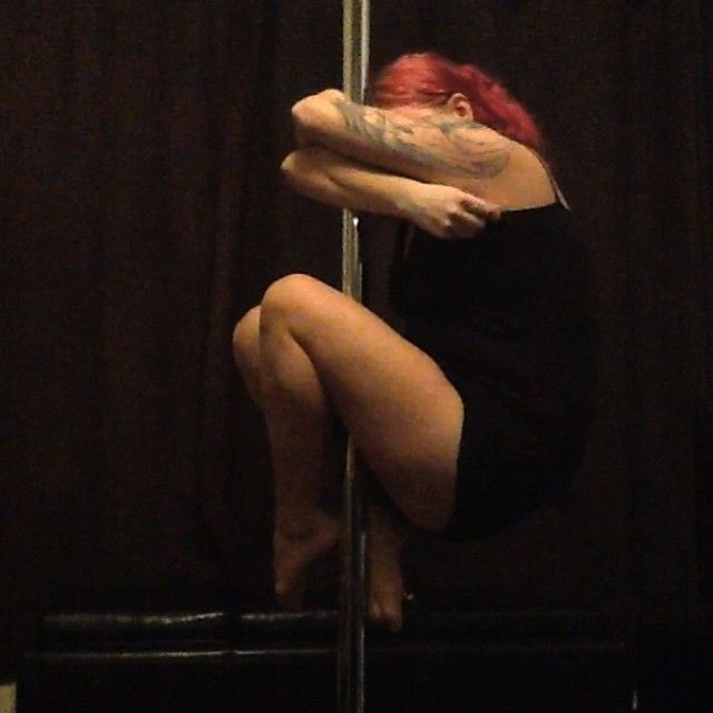 PDY - PoleMove - seated tuck
