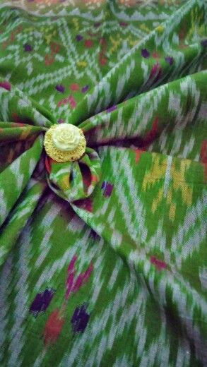 """Endek Mastuli"" Traditional fabric from Bali, Indonesia. Endless creation in fibers and patterns #kain #endek #Bali #Indonesia"