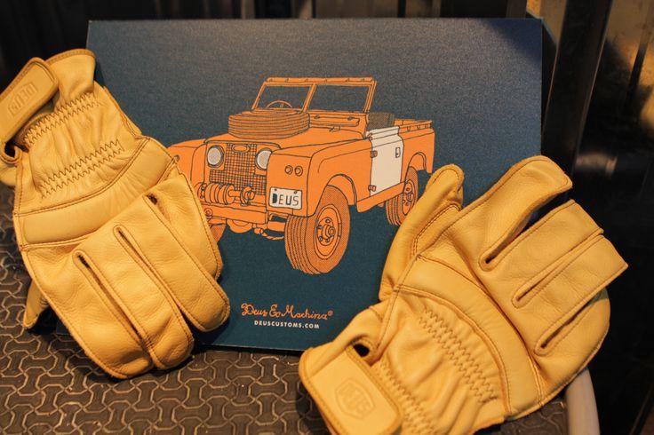 Deus Ex Machina Gloves