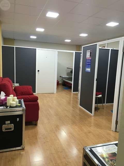 . En Vanadis ofrecemos cabinas verticales y horizontales, para tener un tono de piel, cuidado todo el a�o. Tarifas planas mensuales sin compromiso de permanencia, bonos por minutos. Todo ello asesorado por nuestro equipo de profesionales. Ven a conocerno