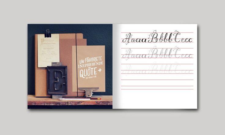 Het Krijtbordschrift - 72 pagina schrijfschrift met drie handige letters om te leren voor de mooiste krijtborden. Bestel het schrift nu op onze website.