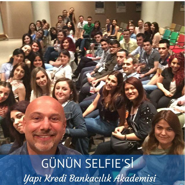 Yine müthiş bir grup ve günün selfie'si:)