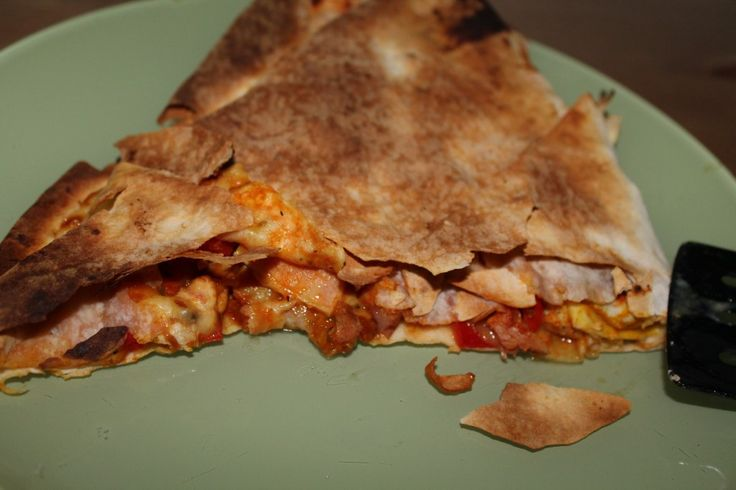 Improvised crunchy, cheesy Quesadilla