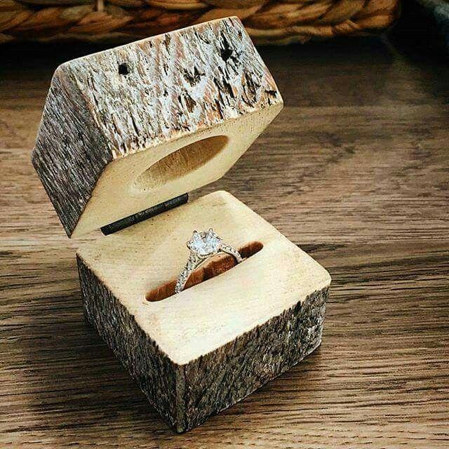 Unusual ring box