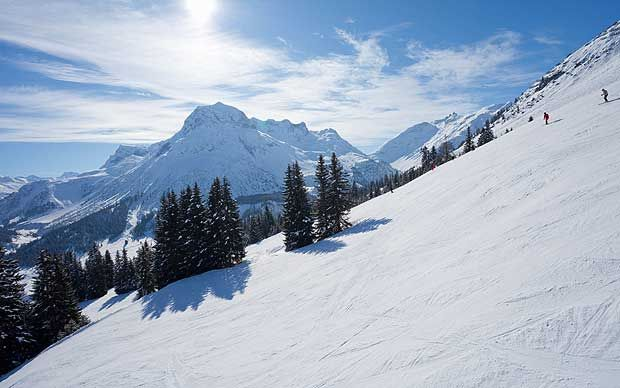 St Anton is a hugely popular ski resort, if you like to ski hard, party hard and burn the candle at both ends then this is definitely the place for you!