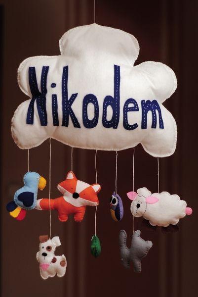 Chmurka+z+imieniem+i+zawieszkami+z+filcu+handmade+w+Bajkowo+-+kolorowe+rzeczy+z+filcu+na+DaWanda.com