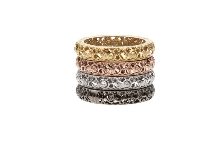 Anelli in argento 925% dorato, rosa, bianco e rutenio. Mini belt loops 925% silver golden, pink, white and ruthenium. www.mumatigioielli.it