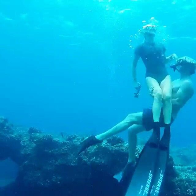 Follow @brinkleydavies on her ocean adventures! Repost -  The last few weeks with @tyronswan and the ocean. My two favourite things. This song is a cover of Men at Work by our friend from back home @nickcunninghammusic @gopro @goproau #sealife #exploring #gopro #spierre #freediving
