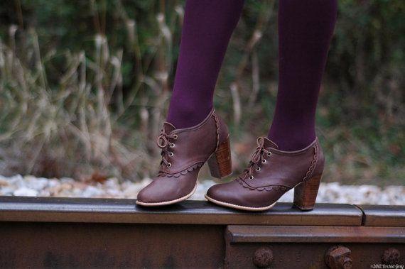 DENTELLE. Chaussures oxford en cuir / Cuir chaussons / par BaliELF
