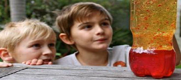 Okul öncesi yapılabilecek bilimsel ve fen deneyleri çocuklarınızın gelişimi için çok önemlidir. Küçük mucitler evde deney yaparak öğrenmesi için basit lav lambası deneyini sizler için derledik.
