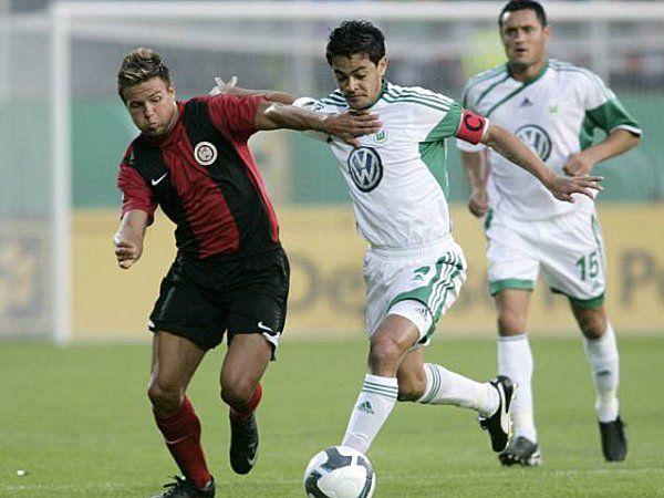 Die 1. Runde im DFB-Pokal führte den VfL zum SV Wehen-Wiesbaden (Endergebnis: 1:4). (31.07.2009)
