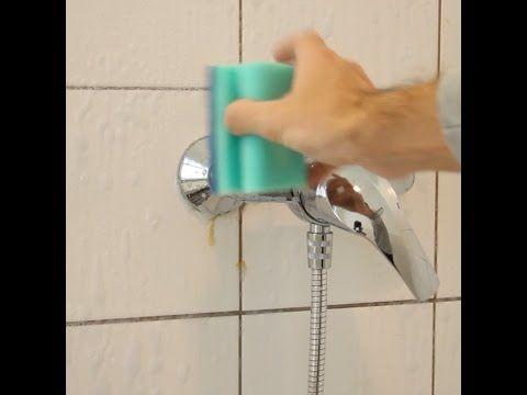 Maak je douchetegeltjes en voegen weer als nieuw met 2 ingrediënten die iedereen thuis heeft staan! - Zelfmaak ideetjes