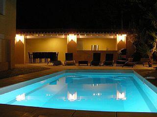 Schitterende villa met zwembad en een prachtig uitzicht tussen Nîmes en de ZeeVakantieverhuur in Langlade van @homeaway! #vacation #rental #travel #homeaway