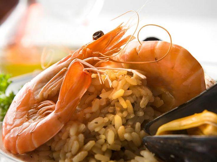 Risotto mit Meeresfrüchten  Urlaubsfeeling.  Sonne, Strand, Meer, Venedig – mittags ins La Tavernetta  auf dem Lido …  Stimmen Sie sich ein!  http://einfach-schnell-gesund-kochen.de/risotto-mit-meeresfruchten/