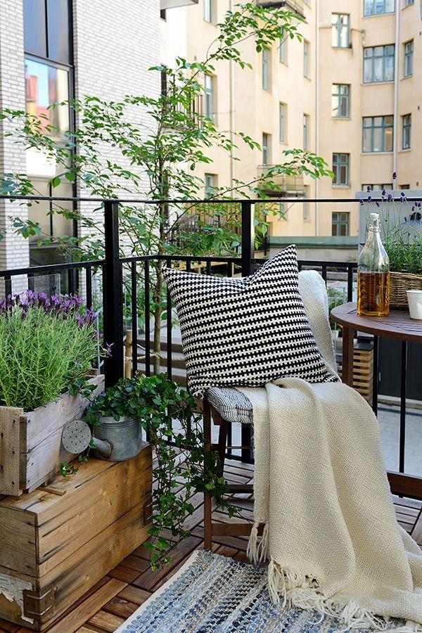 Charming Swedish flat adorned with stylish details